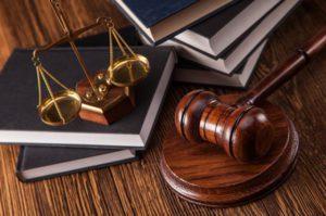 Могут ли судебные приставы наложить арест на кредитную машину