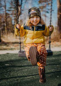 Новые пособия от Путина в 2021 году: беременным, детям-школьникам и одиноким матерям
