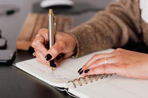 Делаем завещание на квартиру: какие документы понадобятся (между близкими, не родственнику, документы)