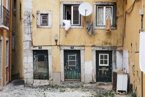 Порядок расселения из аварийного жилья: все изменения в 2021 году
