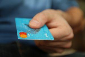 Что делать, если вы купили квартиру с долгами по коммуналке: советы юриста